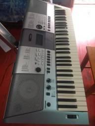 Teclado Yamaha, valor 1.000.00