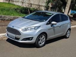 New Fiesta 1.6 SE Prata 4 pneus novos + Câmera e Sensor de Ré - 2014