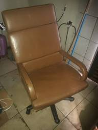 Cadeira executiva couro