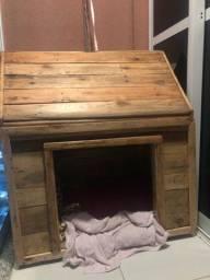 Casinha para cachorro feita em madeira