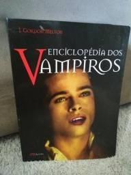 Livro - Enciclopédia dos Vampiros