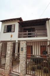 Vende-casa estilo colonial preço negociável
