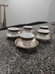 Jogo de xícaras de café de porcelana