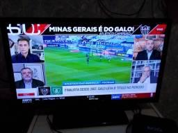 TV led 21 polegadas único dono + TV box novo + suporte pra parede