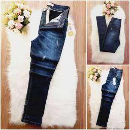 Calça jeans com cinta modeladora. Somente tamanho 38/40/44. Parcelo em 3X de R$ 40,00.
