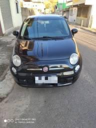 Carro Fiat 500 em perfeito estado