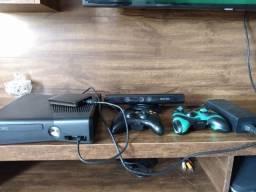 Xbox usado, destravado, com kinect e hd de 1TB
