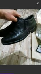 Sapato preto masculino número 41/42  semi novo $ 40 reias