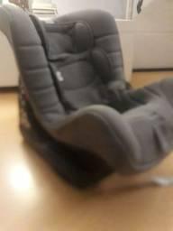 Título do anúncio: Cadeira para carro chicco mais  lote de roupas menona