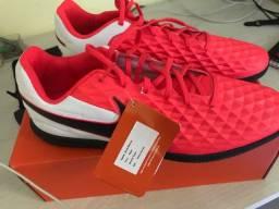 Chuteira Nike futsal Legend 8