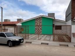 Prive de casas 2 Qtos na Rua José Geraldo Paes
