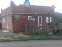 Título do anúncio: Vendo terreno 10 x 30 com duas casas