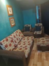 Conjunto sofá 3 lugares poltronas + Puf