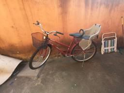 Bicicleta Caloi com cadeirinha