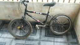 Bike modelo BT está novinha