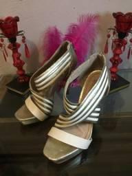 Sapatos Usados - R$ 10,00