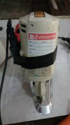 Máquina de Cortar Tecidos Elétrica