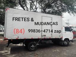 Caminhão baú de mudanças - 2008