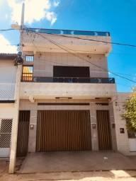 Vendo Predio Residencial em Monteiro(Centro da Cidade)