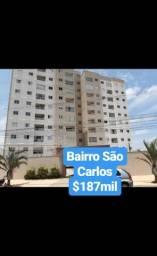 Apartamentos e casas