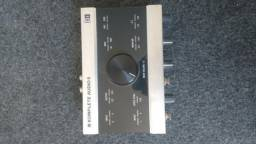 Interface de audio komplete 6 usb