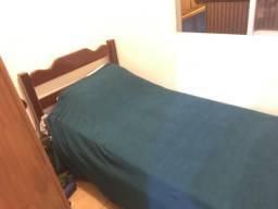 Alugo quarto em casa compartilhada