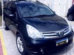 Nissan Grand Livina 1.8 7 lugares automática - 2014