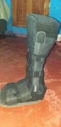 Vendo bota ortopédica cano longo