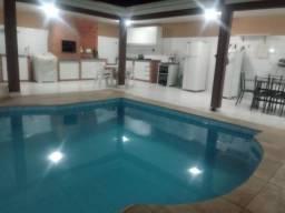 Casa com piscina churrasqueira 3 quartos 2 suítes no Jardim Imperial
