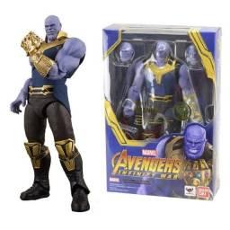 Boneco Thanos 29 cm C/ Luz E Som Avengers
