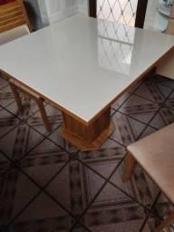 Mesa com tampo de vidro + 4 cadeiras estofadas