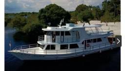 Barco à venda no Parcelamento.