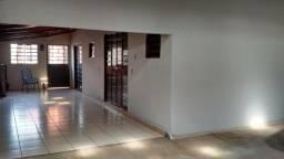 Casa tres quartos com uma suite Vila Santa Rita/Cidade Jardim