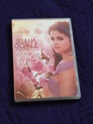 Cd e dvd Selena Gomez and the scene. A Year Without rain e when the sun goes down
