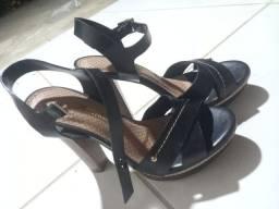 Sandália de Salto preta