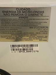 Forno de microondas Panasonic 20 L