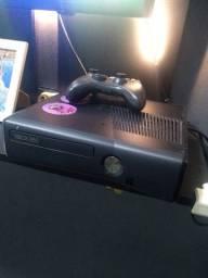 Xbox 360 com HD esterno com 500 GB de memória