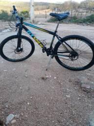 Bicicleta em aço carbono aro 29