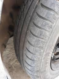 Vendo jogo de pneus 175/65 aro14