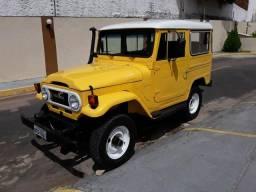 Toyota Bandeirante Jipe Curto 1978 Capota de Aço