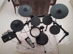 Bateria Elétrica Yamaha DTX Drums 502