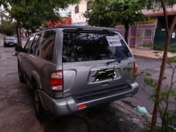 Vendo Nissan/ Pathfinder 2000/2001 - 2001