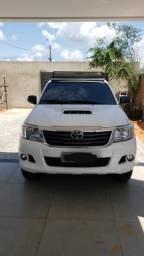 Camionete Hilux 4x4 SR - 2015