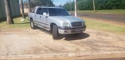 Vendo s10 executiva 4x4 diesel - 2002