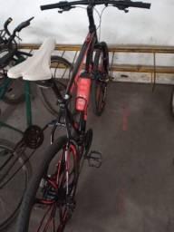 Vendo uma bicicleta aro 29 freio hidráulico jante de magnésio