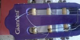 violão com corda quebrada