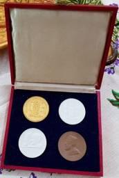 Medalhas de porcelana centenário de Blumenau 1950