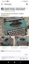 Vendo maquina de escrever relíquia