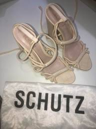 Sandália Schutz 36 aceito cartão