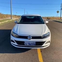 Polo 2019 Hatch 1.6 Automatico 16 mil km veículo cheira novo